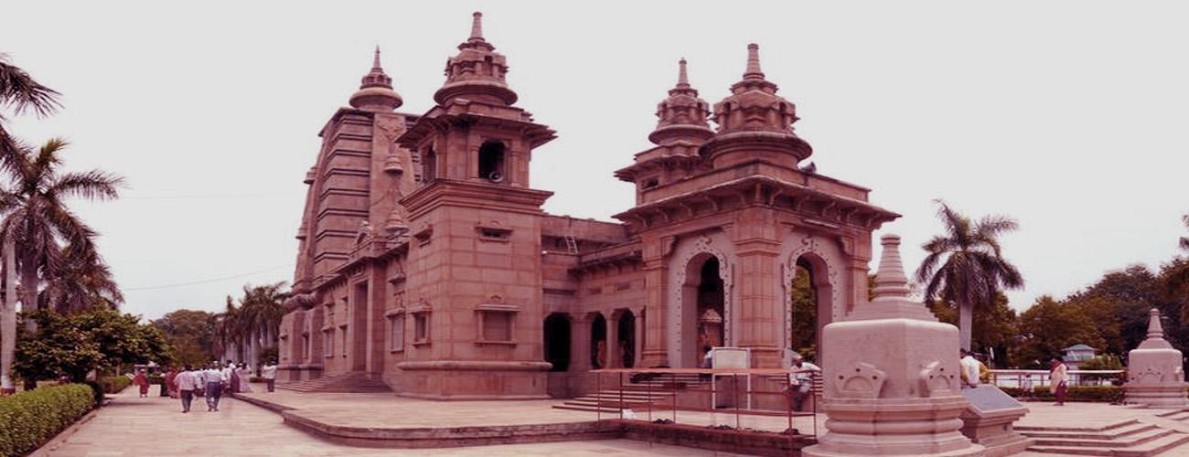 Religious Tour of Varanasi Bharat Taxi 1